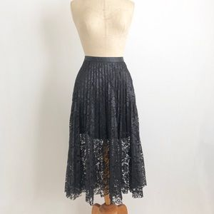 Free people black Flared laces skirt sz:2 School